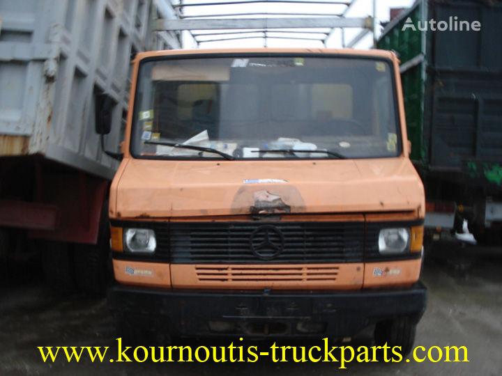 Mercedes benz 609d closed box trucks for sale box truck for Mercedes benz box truck for sale