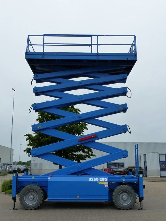 ONBEKEND AB-lift S280-25E4WDS scissor lift