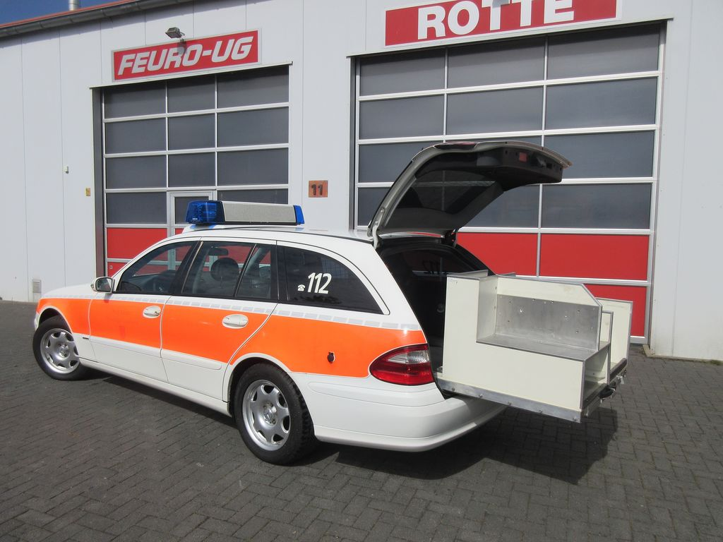 Mercedes benz 220 cdi model 211 feuerwehr mobile ommand for Mobile mercedes benz